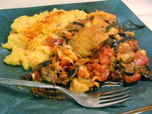 Cod with tomatoes and onions, accompanied by mashed acorn squash